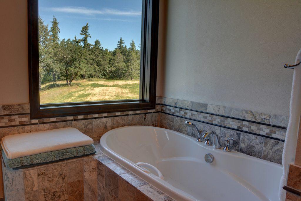 Guest bathroom(2)